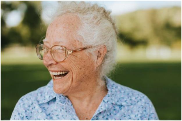 Abuelita dijo a los 105 años que estar soltera es el secreto de la eterna juventud. Foto: Unsplash