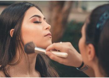 Todo lo que debes saber para llevar una rutina de maquillaje sustentable