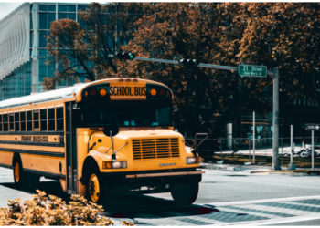 Bullying escolar: Expulsan a niños porque su mamá crea contenido para adultos