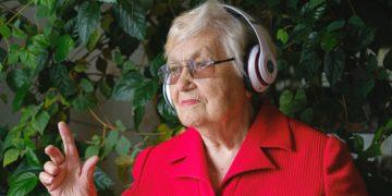 Chayanne y Ricardo Arjona: esta es la música más popular para mamá en su día