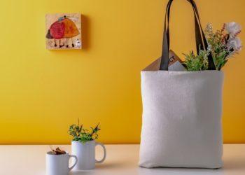 Fácil y práctico: haz un bolso para las compras con tus jeans viejos