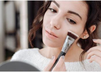 Trucos para aplicar la base de maquillaje y olvidarse de los poros abiertos