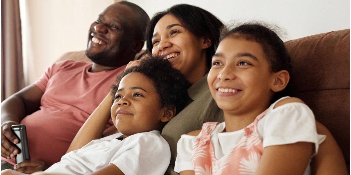 Series para disfrutar este fin de semana en familia. Foto: Pexels