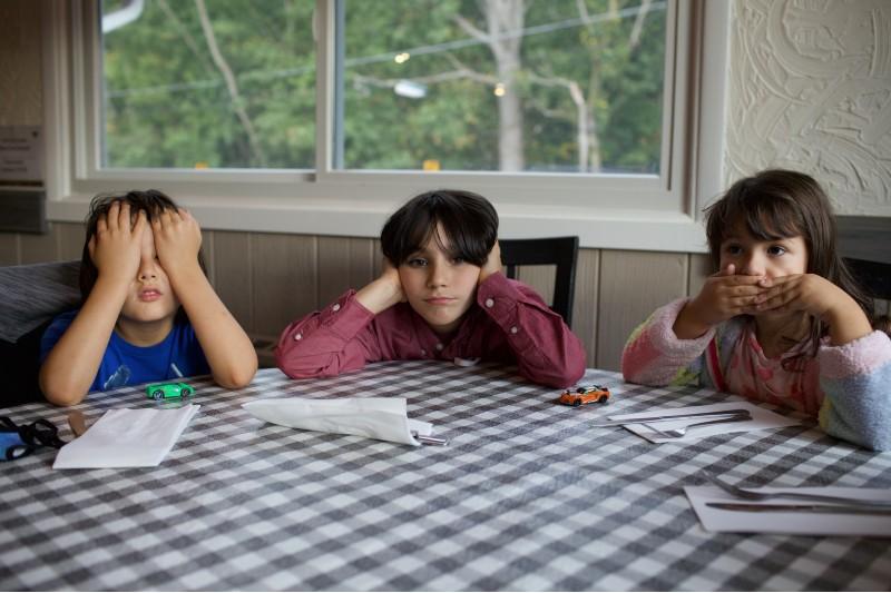 Tareas del hogar para ponerle a tus hijos según su edad y enseñarles responsabilidad