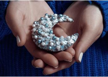 Lleva la luz de la luna en tus uñas con estas ideas de manicure. Foto: Unsplash