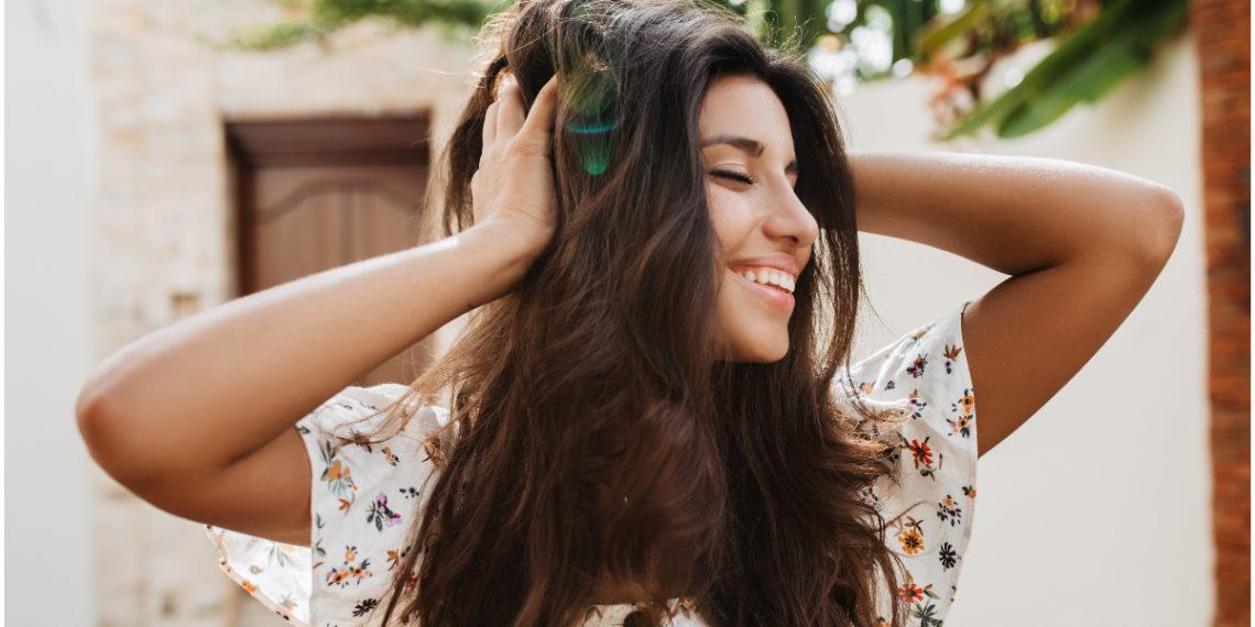 Refuerza tu rutina capilar y prepara un exfoliante de cabello