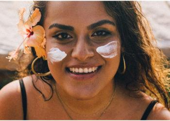 Trucos de belleza para no manchar tu piel o arrugarte con el sol
