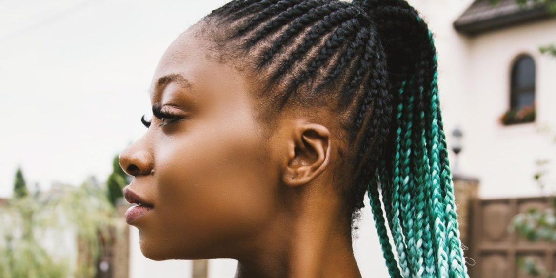 Adiós, doble barbilla: ejercicios para adelgazar la cara y disminuir la papada