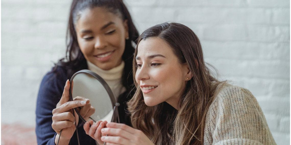 Conviértete en toda una experta con la esponja de maquillaje siguiendo estos tips