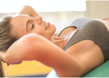 Tips de belleza para reafirmar tu pecho de forma natural