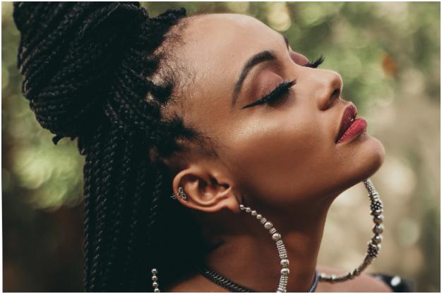 Trenzas africanas: luce trendy y fabulosa con el peinado del momento