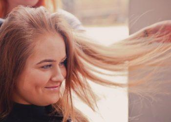 ¿Cerrando ciclos? Cortar el cabello sí tiene un efecto psicológico positivo, según especialistas