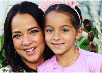 Parecen gemelas, Adamari y Alaïa usan el mismo look causando ternura en redes