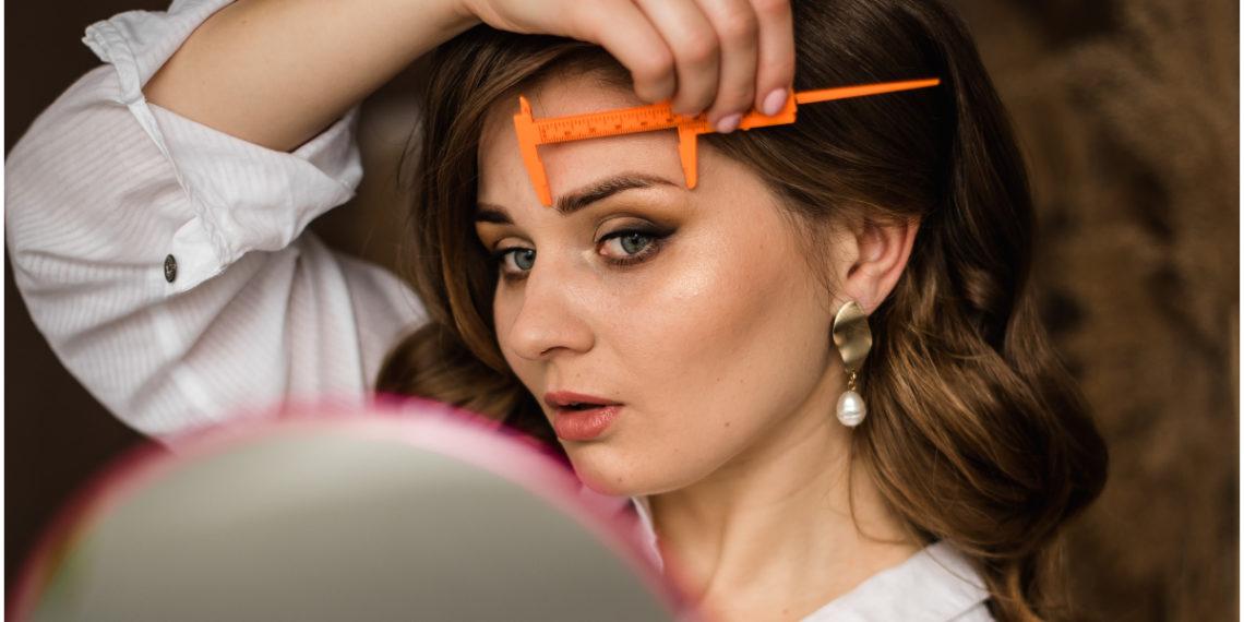 Cejas laminadas: la nueva tendencia de belleza que está arrasando