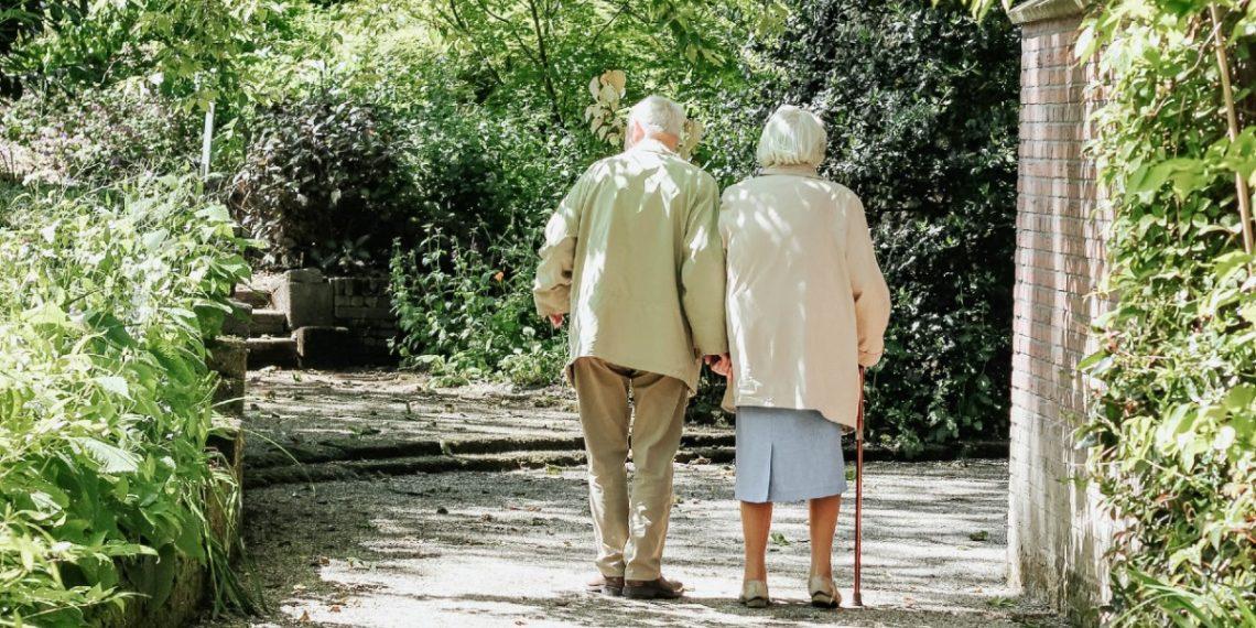 Celina y Filiberto: estos abuelitos revolucionaron un asilo bailando bachata