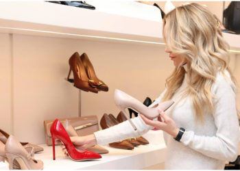 Princesa Leonor sigue las tendencias: mangas 'puffy' y zapatos cómodos