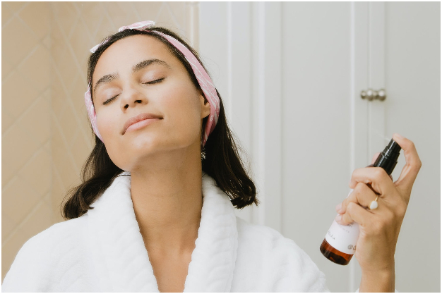3 pasos para lograr que tu rutina de skincare pueda tener efecto 'lifting'