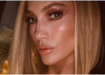 Jennifer Lopez muestra con orgullo su celulitis y sirve de inspiración para muchas mujeres