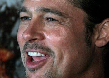 """¿Bañarse no es necesario? Conoce a los famosos como Brad Pitt que siguen esta moda """"ecológica"""""""