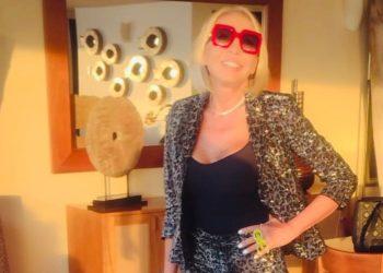 """""""Me siento orgullosa de mi edad"""": Laura Bozzo exuda seguridad a sus 70 años"""