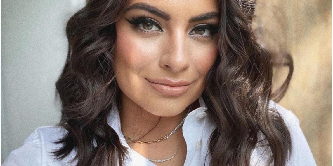 Actriz Ana Brenda Contreras enseña que tener una blusa blanca en el clóset es un acierto total