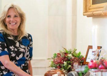 Primera dama de Estados Unidos da lección de independencia y vuelve a su trabajo como profesora
