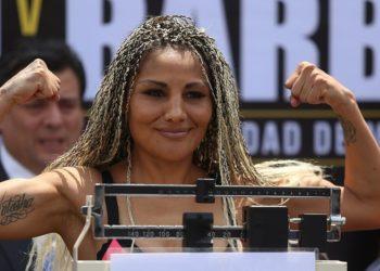 'La Barby Juárez' hace lo mismo que 'Canelo' y no gana igual