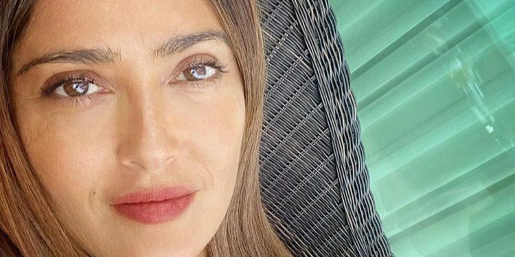"""""""Quiero ser como ella cuando sea grande"""": Salma Hayek prueba que el amor entre amigas existe"""