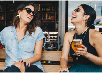 Contar con buenas amistades puede hacer que las mujeres sean más felices y exitosas