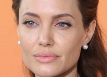 Angelina Jolie se operó para evitar el cáncer y esta es su inspiradora historia